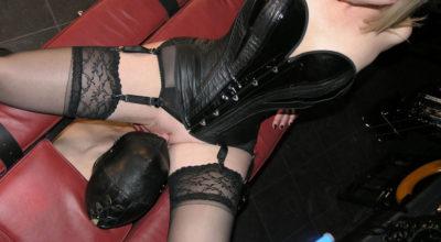Mistress Raffaella di Modena mentre fa sesso