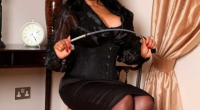 Mistress Francesca di Rimini con la frusta