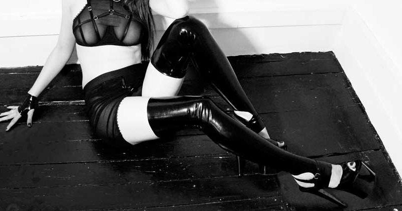 Mistress di Trieste in lattex