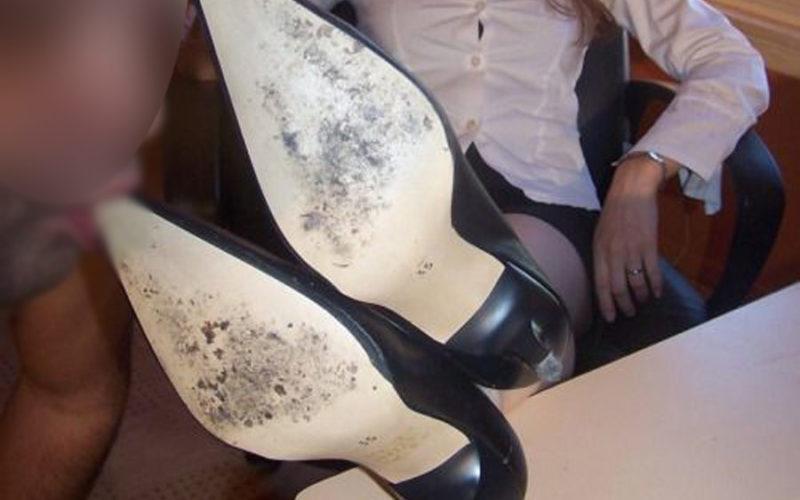 schiavo adoratrice dei piedi Pordenone